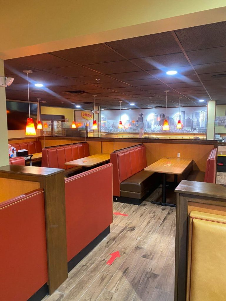 Denny's Dining Area